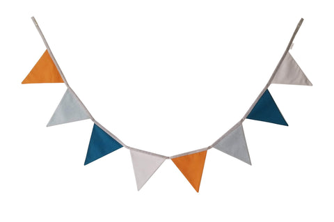 Rust and Teal bunting