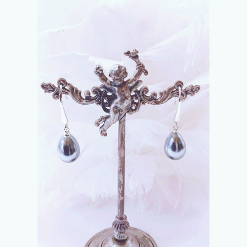 Pearl Drop Earrings!
