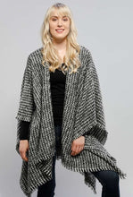Houndstooth Ruana/Cape!