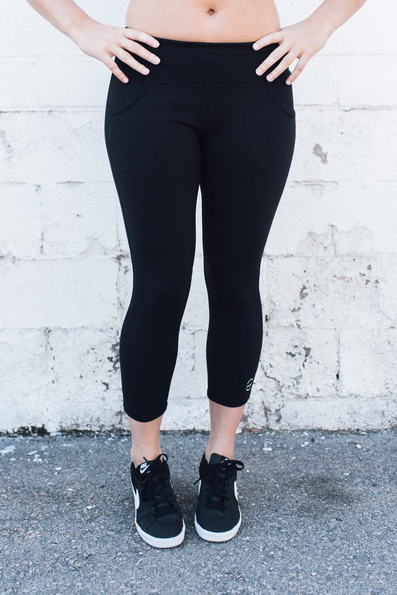 Capri Legging with Pockets Eco Black - SwoobFit