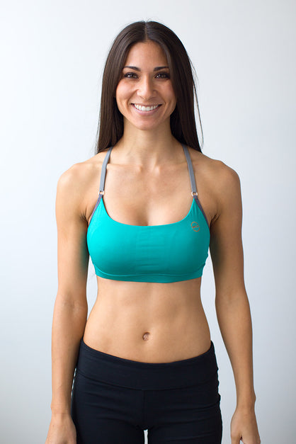 Luana Cross Strap Sports Bra With Pockets