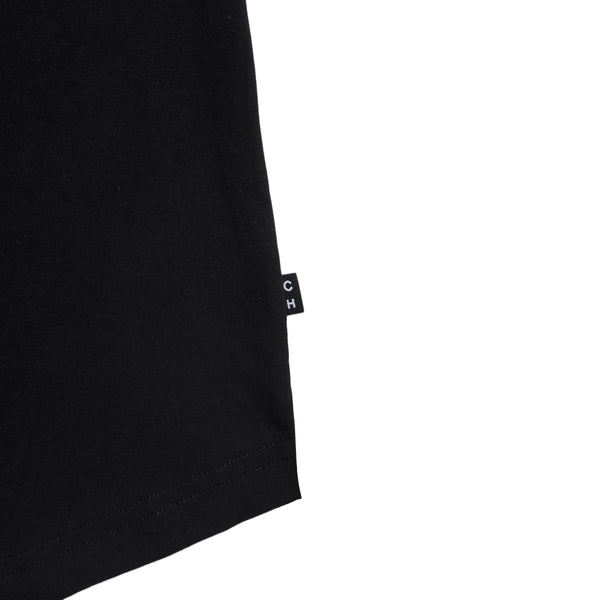 black scoop neck slim fit tee with a U-shape bottom