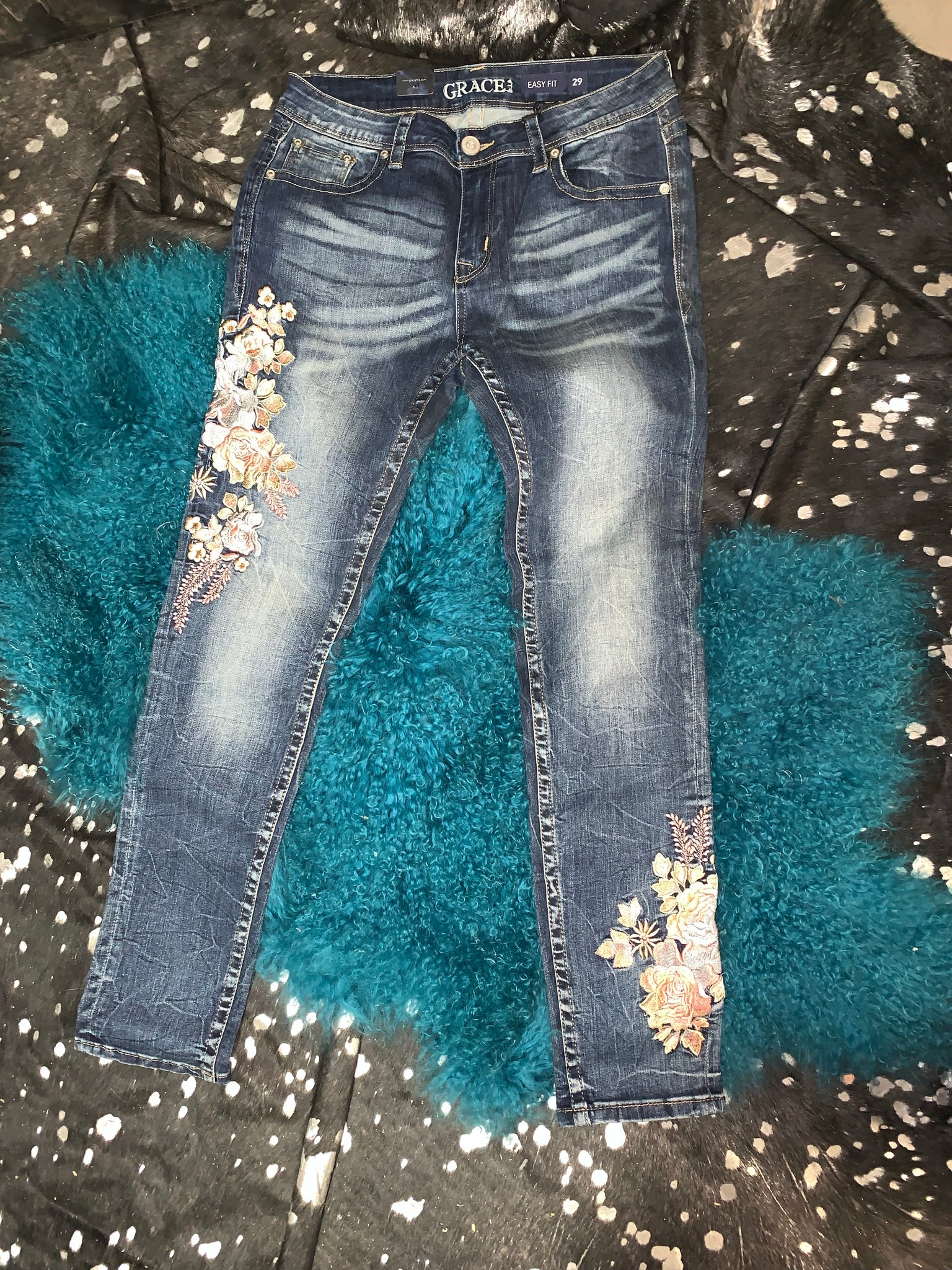 Embroidered Easy Fit Relaxed Jeans