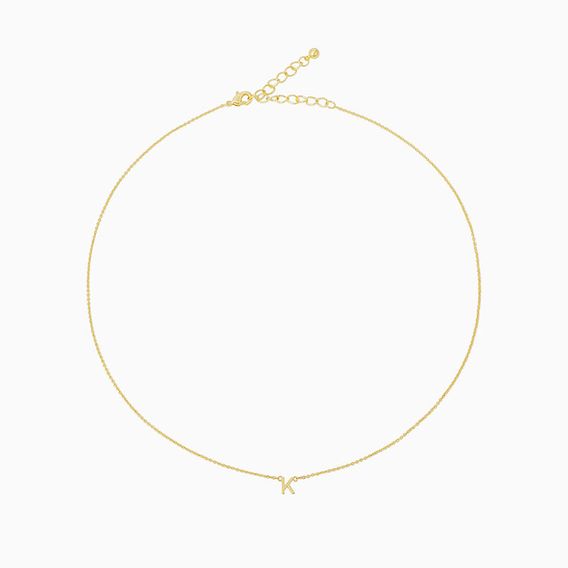 Chain necklace with the letter K at its center, plated in 14k gold