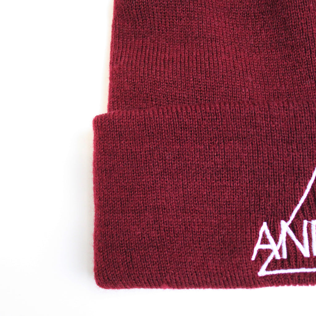 BEANIE HAT  | BLACK & MAROON - ANDRO CLOTHING GENDER FLUID ANDROGYNOUS CLOTHES FOR NON-BINARY LESBIAN AND LGBTQ+ FASHION