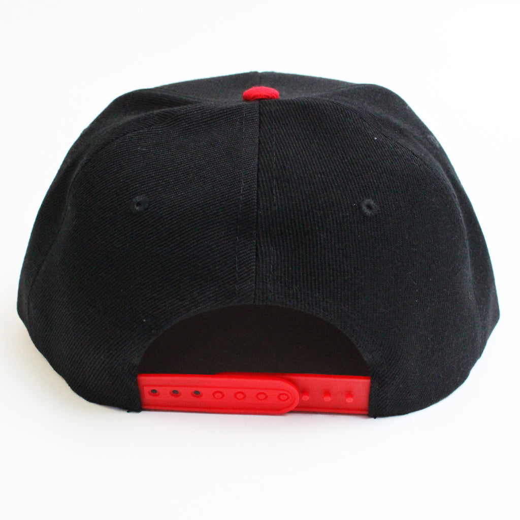 SNAPBACK CAP | RED & BLACK - ANDRO CLOTHING GENDER FLUID ANDROGYNOUS CLOTHES FOR NON-BINARY LESBIAN AND LGBTQ+ FASHION
