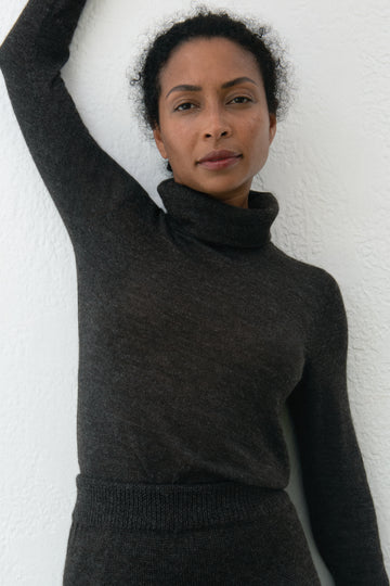 Layering Turtleneck : Charcoal