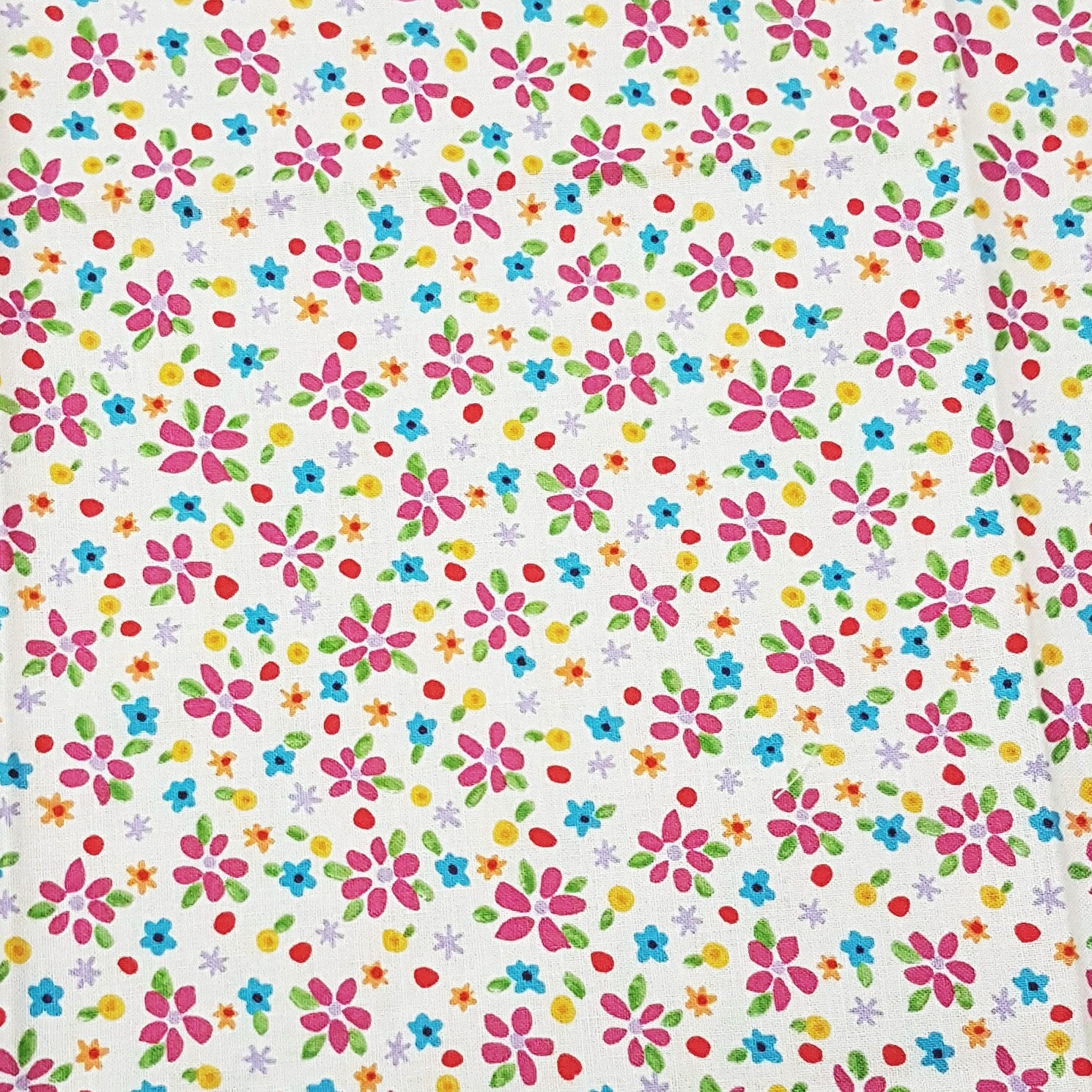 Festive Garden Flowers - 100% Cotton Fabric Fat Quarter - Vera Fabrics
