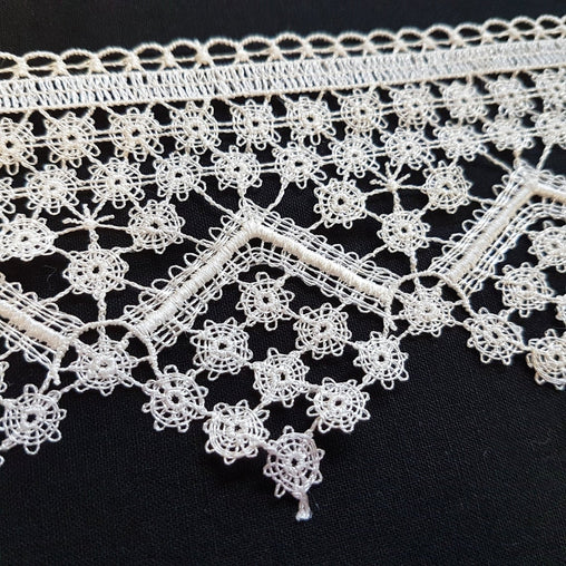"3.5""/80mm Cream Diamond Flowers Excellent Quality Delicate Intricate Guipure Lace Trim - by the metre"