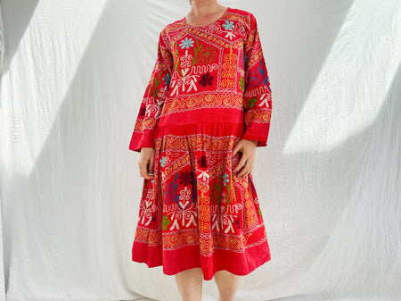 Vintage Uzbek Suzani Embroidered Tunic. M