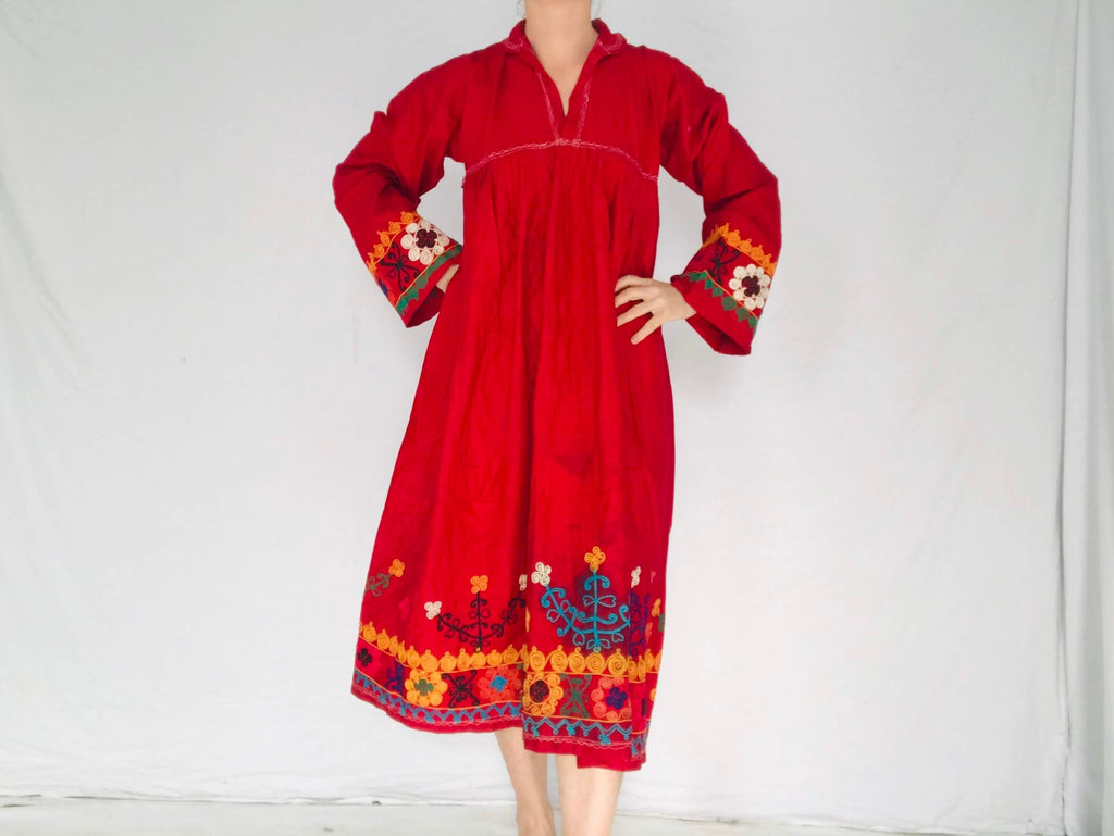 Vintage Uzbek Hand-Embroidered Cotton Dress. S-M