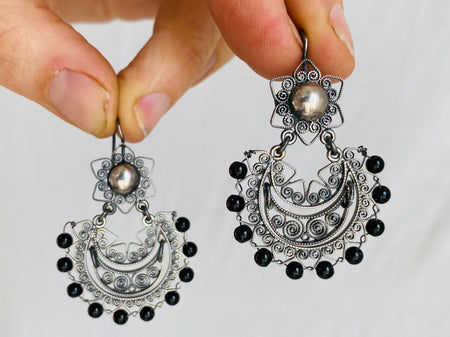 Vintage Oaxacan Filigree Earrings With Onyx. Sterling Silver. Mexico. Frida Kahlo