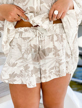 Load image into Gallery viewer, Oahu Ruffle Shorts