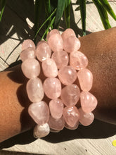 One Gemmy Rose Quartz Stone Bracelet