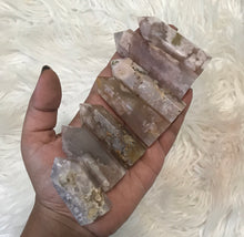 One Flower Agate Point