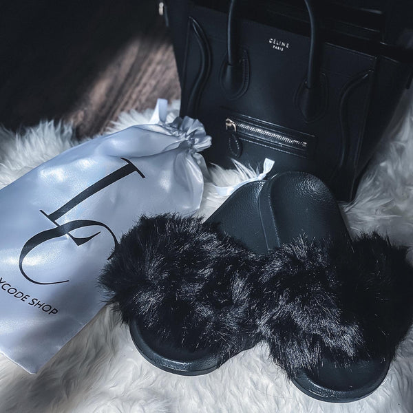Cozy Faux Fur Slides - Black