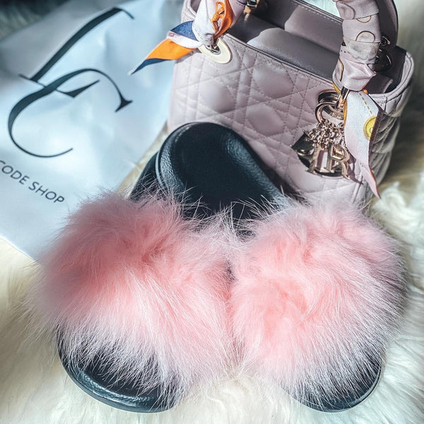 Cozy Faux Fur Slides - Pink
