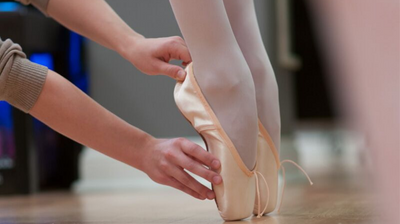 What to know for your first pointe shoe fitting