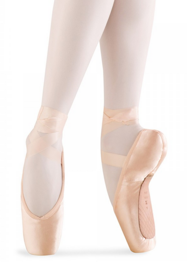 Alpha Pointe Shoe