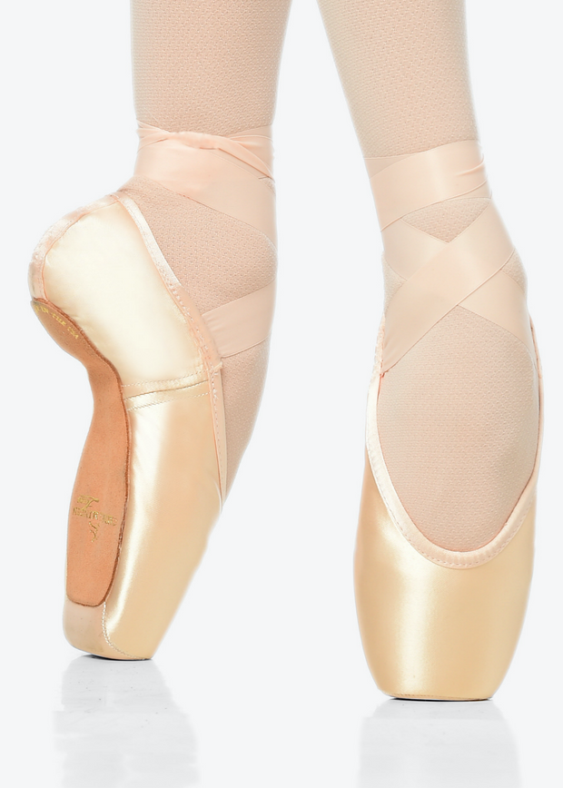 Classic Fit (CL) Feather (Blue bag) Gaynor Minden Pointe Shoe