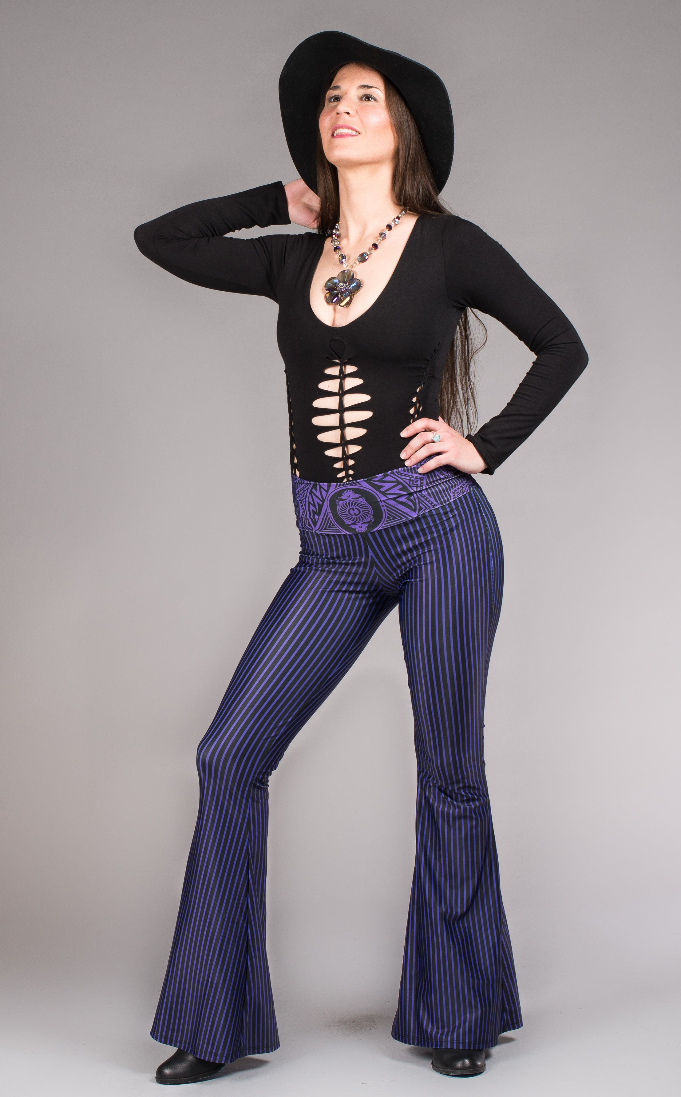 Grateful Dead bell bottoms w/skull faces purple and black