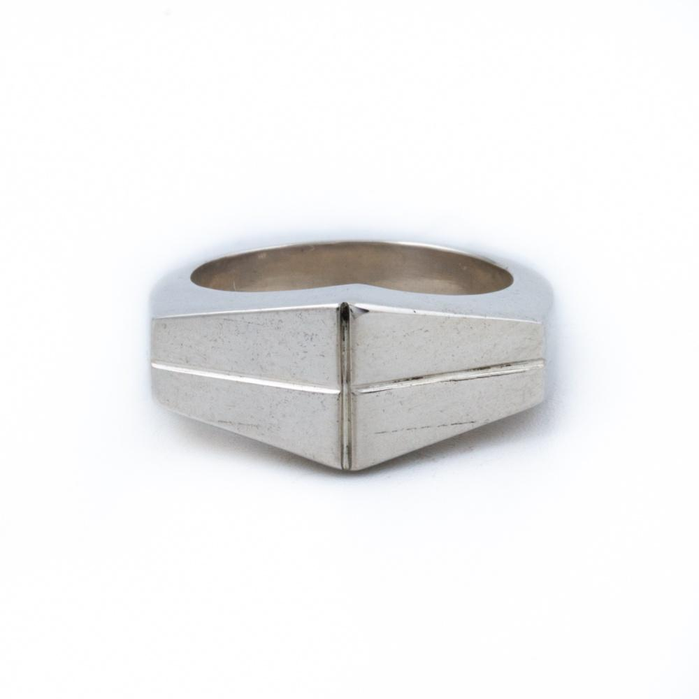 Kamen-Style Silver Ring - Kingdom Jewelry