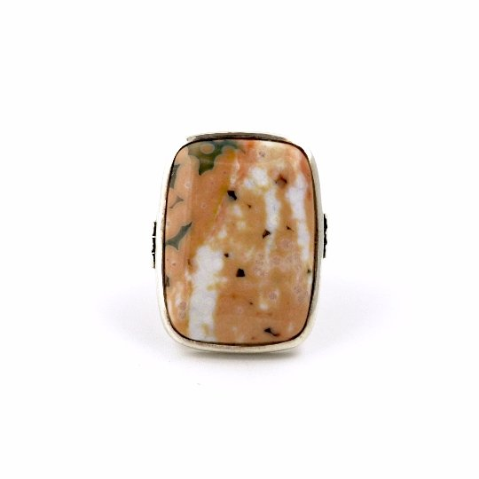 Peachy Keen Ring - Kingdom Jewelry
