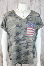 Short Rolled Slv V Neck Camo Top w Flag Pocket A3912