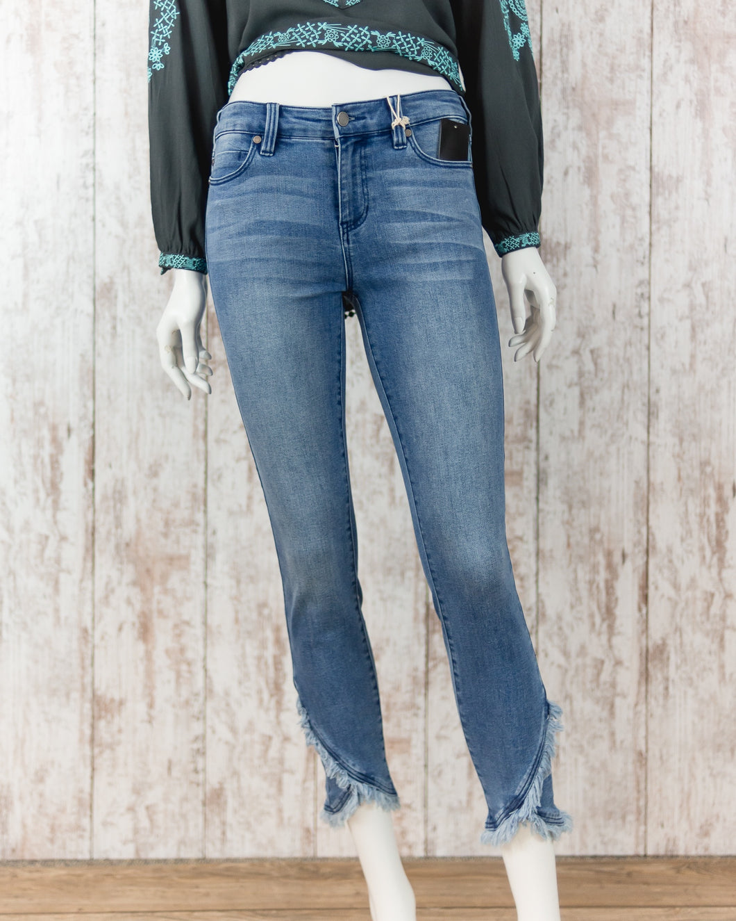 Abby Crop Denim Jeans with Scalloped Hem