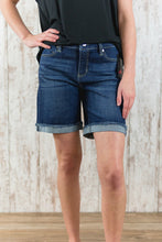 Corine Fray Cuff Short 7In Inseam LM9026F92