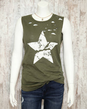 Slvless Distressed Cracked Star Graphic Print Tank Top