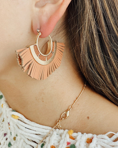 Fan Shaped Faux Fringe Leather Clasp Closure Earrings