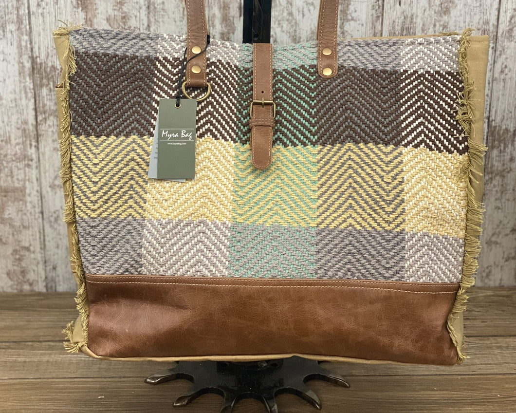 Color Chunk Weekender Bag w Leather and Chevron Weave Design S-1618