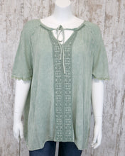 Short Slv Rayon Gauze Embroidered Mineral Washed Top w Tie at Neck