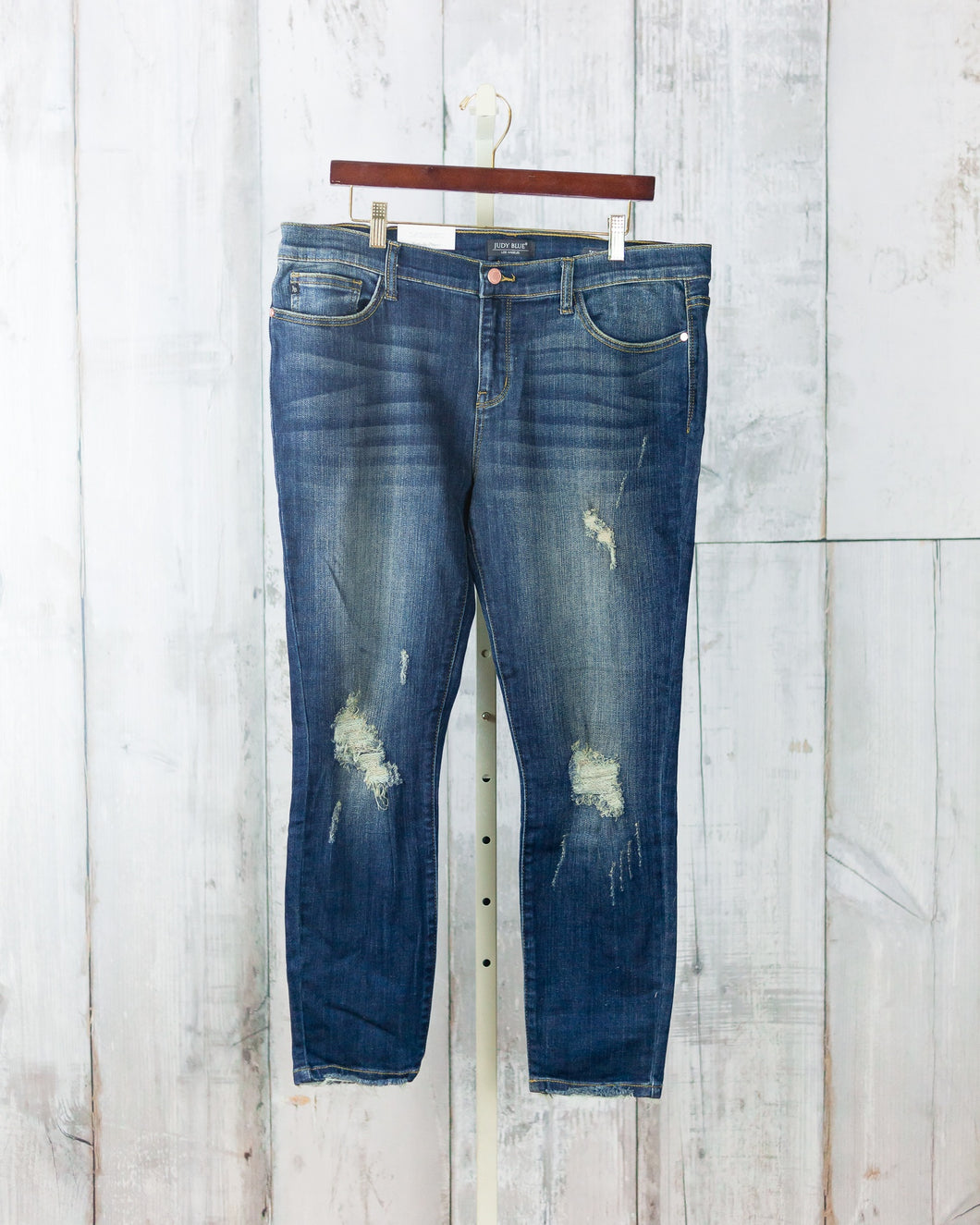 PLUS Cropped Ankle Skinny Jean
