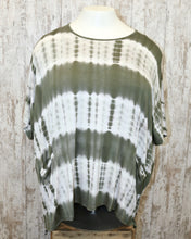 PLUS Poncho Top w Front Pockets