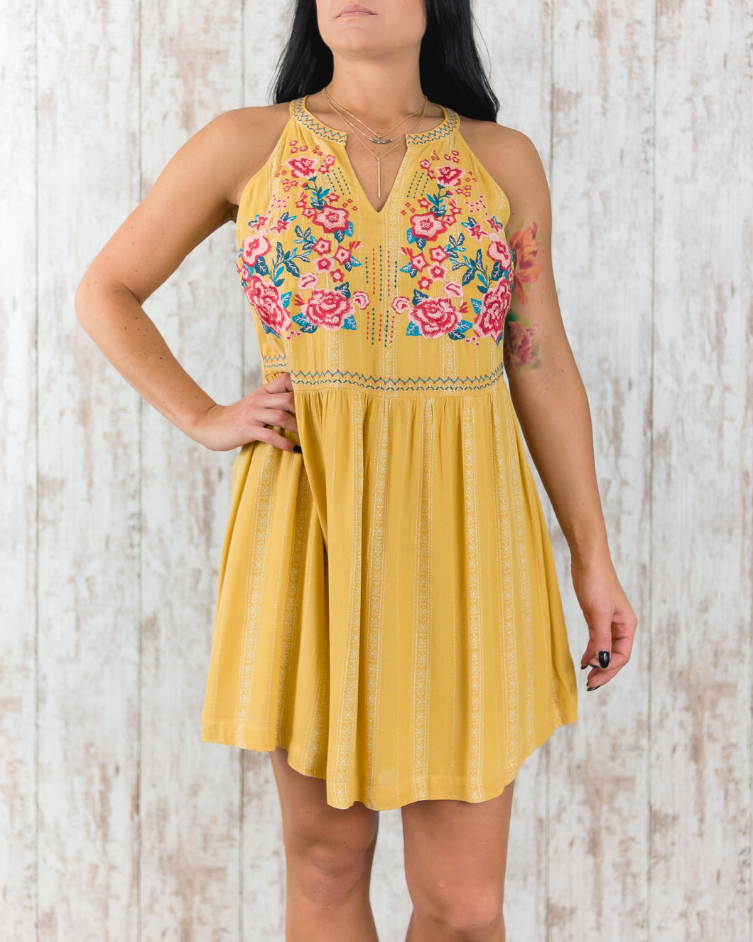 Sleeveless Short Dress with Embroidered Accents