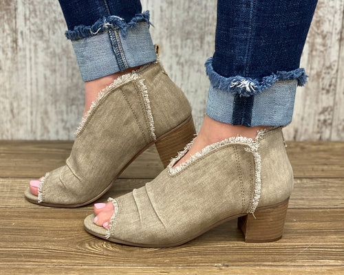 Sunny Pull On Canvas Cutout Square Heeled shoes w Unfinished Hem