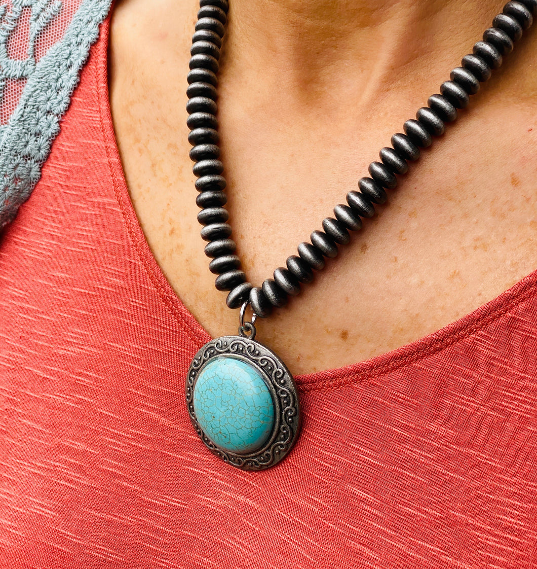 Navajo Pearl 20In Necklace w Turquoise Round Pendant