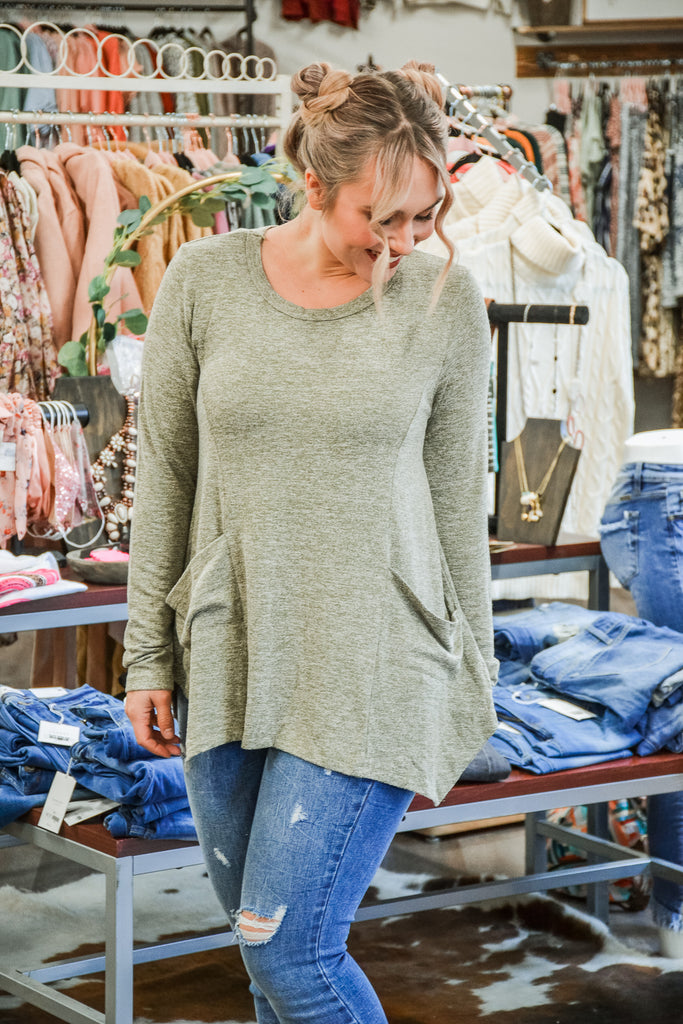 Olive pocket top