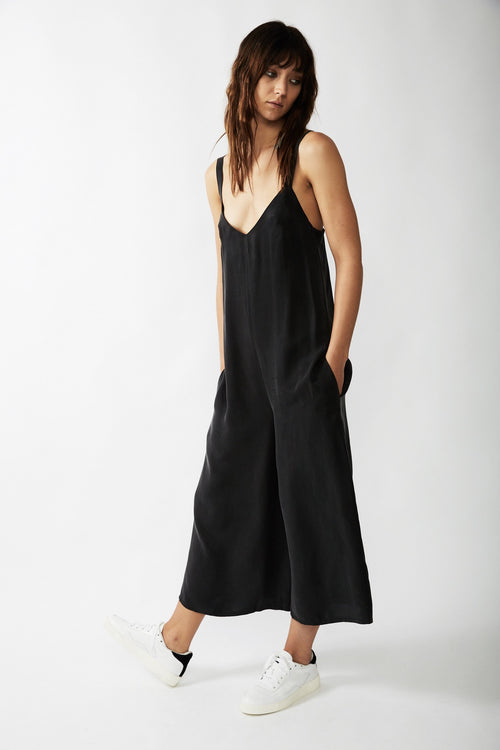 ESSENTIAL WIDE LEG JUMPSUIT