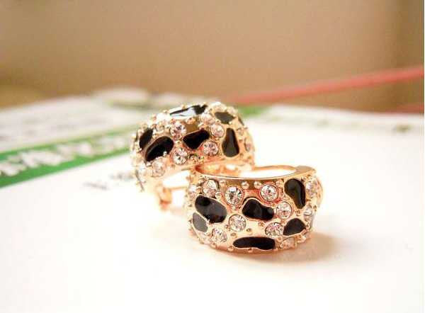 Exquisite Beautiful Shiny Rhinestone Crystal Leopard Stud Earrings