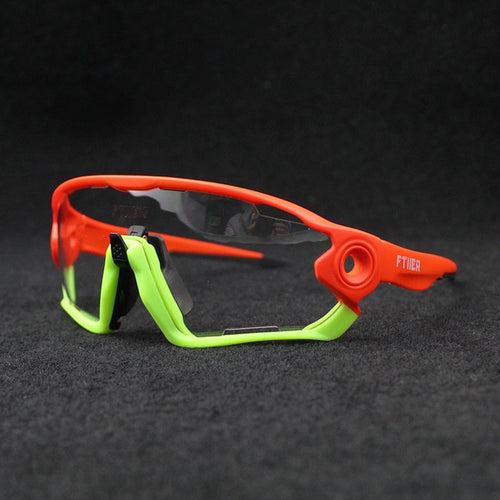 Photochromic cycling glasses with interchangeable lenses