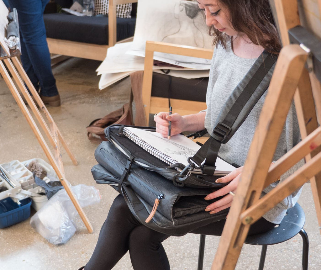 Etchr Art Satchel Seated Supported Mode Life Drawing Class