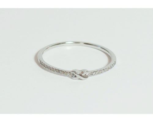Solid 14k White Gold Ring with a Ribbon - CHANCEUSES