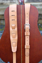 Option for nine slot or buckle adjustment style guitar strap