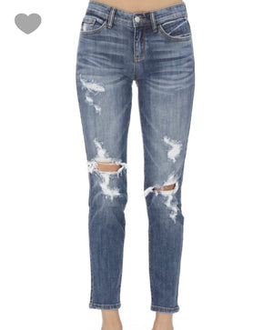 Out on the Weekend Boyfriend Jeans