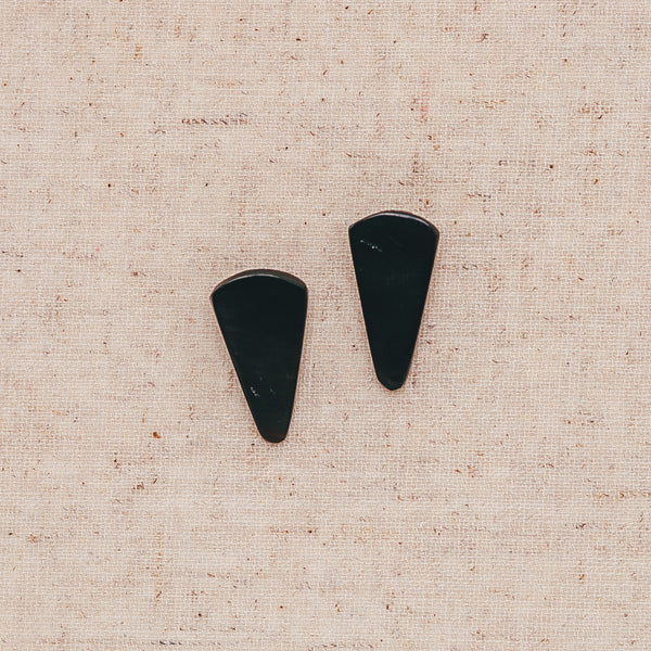 Triangle Cow Horn Stud - Black