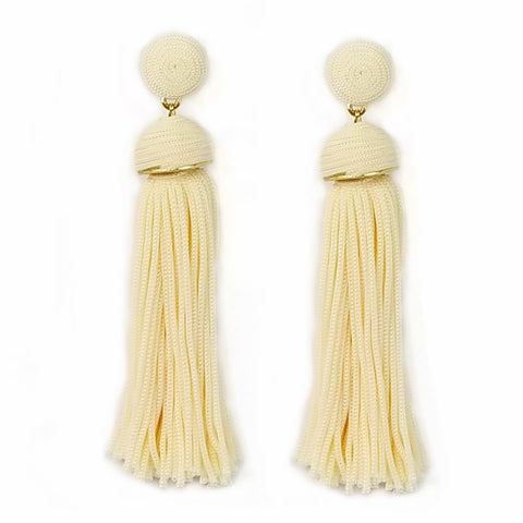 TASSEL N THREAD EARRING
