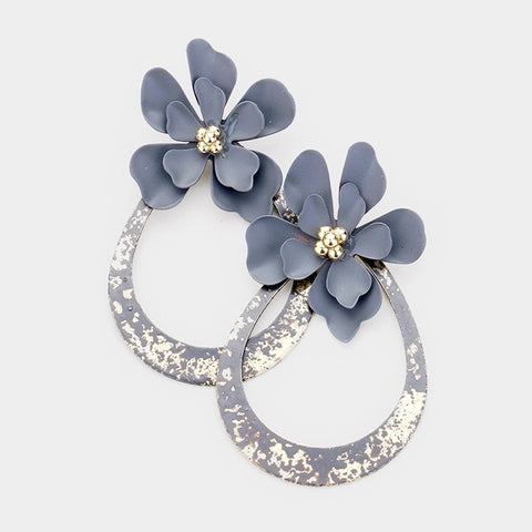 BITZ FLOWER METAL CUTOUT HOOP EARRING
